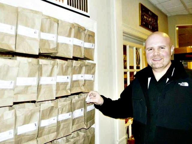 NH Cigar Shop Matchbook Poll: Scott Brown Beats Jeanne Shaheen by Six Points