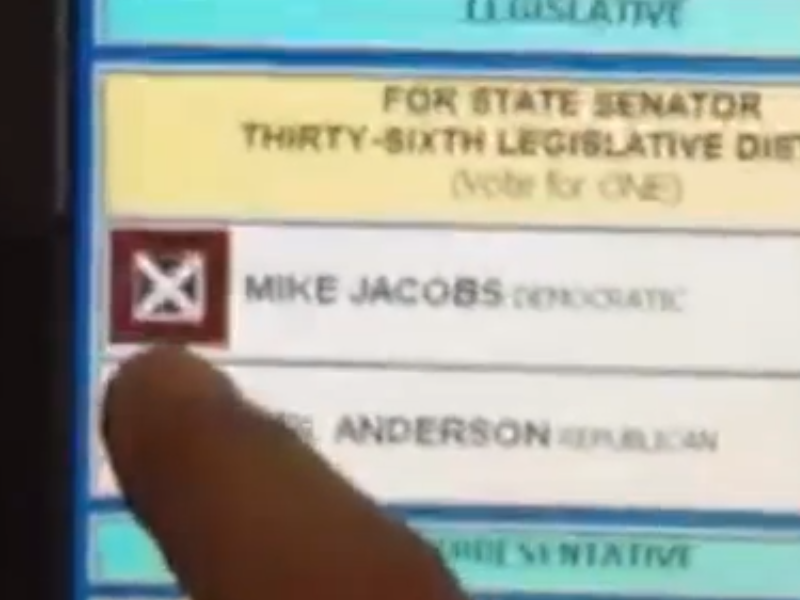 Video: Machine Switches Votes from Republican to Democrat in IL