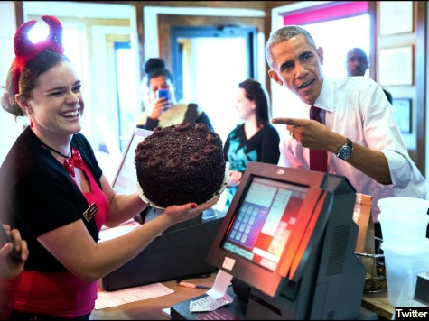 On Campaign Trail, Obama Orders Burger and 'Death by Chocolate' Cake