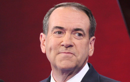 Huckabee Tops Crowded GOP Field in Iowa