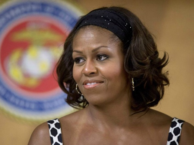 President Leaves Hawaii, Michelle Obama Stays on as 'Birthday Present'