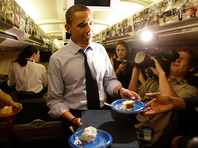 Obama Cancels Press Briefing; Gives Reporters Cake