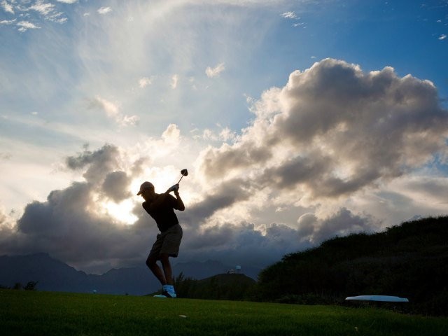 Obama Tees Off on Oracle Founder's Private Golf Course