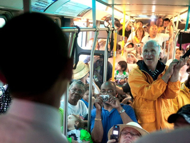 Obama, CDC Contradict Each Other over Ebola Safety on Public Transportation