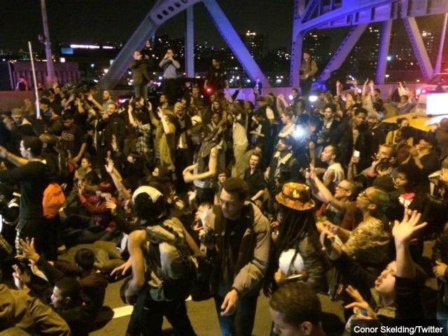 Ferguson Rage Spreads to NY: Shut Down Brooklyn Bridge