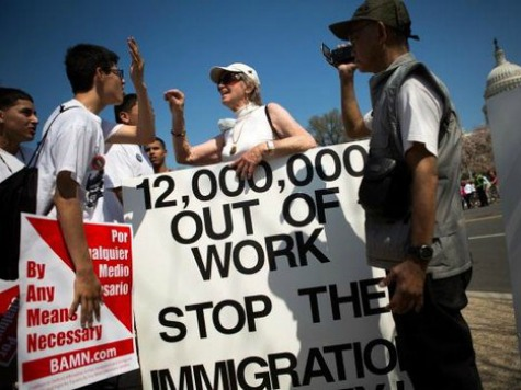 Poll: 64% in Battleground States Disapprove of Obama on Immigration