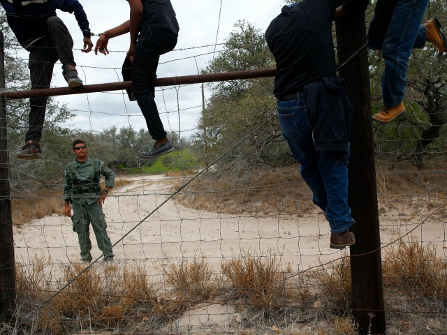 General: US Will Face Immigration Stampede If Ebola Reaches Central America