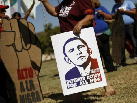 Dem Pollster: Hispanics May Stay Home for Midterms Because Obama Delayed Exec Amnesty
