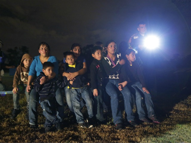 Report: Feds to Grant Refugee Status to Central American Children
