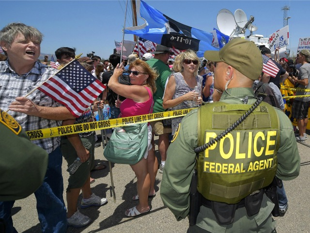 Illegal Immigration Protesters to Challenge Feds: 'If They Want to Send in SWAT Teams… Let Them Do It'