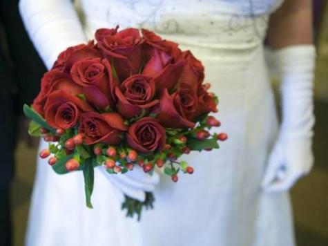 Bridal Shop Bullied by 'Lesbian Bridezillas' Still Open, Website Possibly Hacked