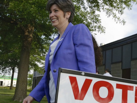 DMR Iowa Poll: Joni Ernst (R) Leads Democrat by 6 Points