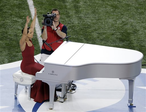 Alicia Keys Sings National Anthem at Super Bowl
