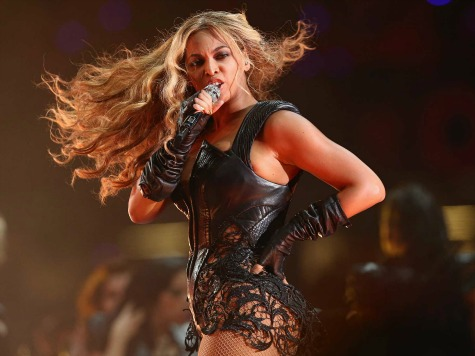Sexy Beyonce Brings Super Bowl Halftime Show to Modern Era