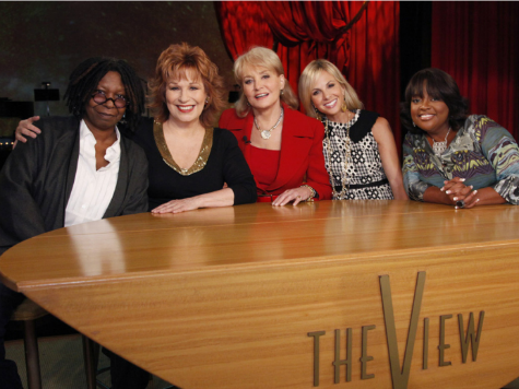 Barbara Walters Refutes Published Reports, says Elisabeth Hasselbeck not leaving 'The View'