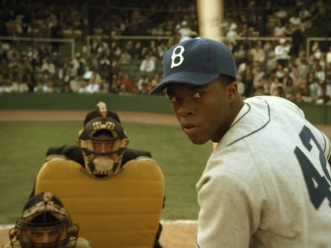 '42' Review: Baseball Biopic Applauds Faith, Conservative Stance on Race Matters