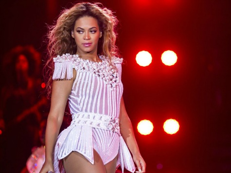 Fan Slaps Beyonce's Buttocks, Allowed to Watch Rest of Show