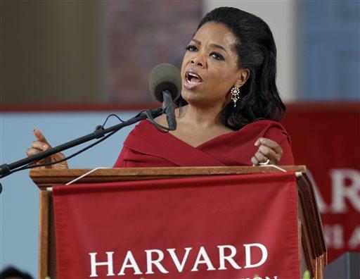 Oprah Winfrey Pushes Gun Control, Immigration Reform in Speech to Harvard Grads