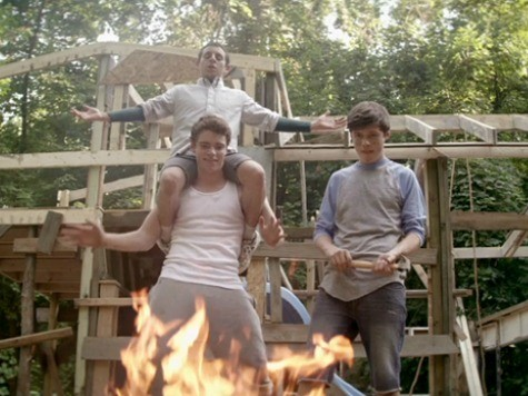 'The Kings of Summer' Review: Coming of Age Yarn Shatters Text-Obsessed Childhoods
