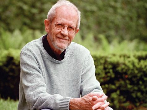 Best-Selling Author Elmore Leonard Dies at 87