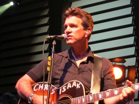 Chris Isaak Concert Review: Timeless Troubadour Defies Age of Miley Cyrus