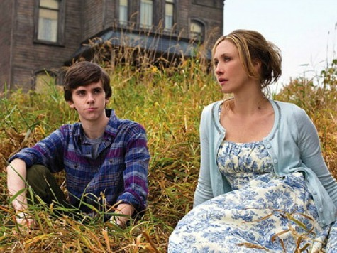 'Bates Motel: Season 1' Blu-Ray Review: 'Psycho' Spin-off Soars with Stellar Cast, Concept