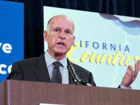 Gov. Jerry Brown Signs Law Protecting Kids from Paparazzi