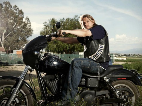 Charlie Hunnam Drops Out of 'Fifty Shades of Grey' Film