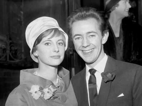 Noel Harrison, Singer and Actor, Dead at 79