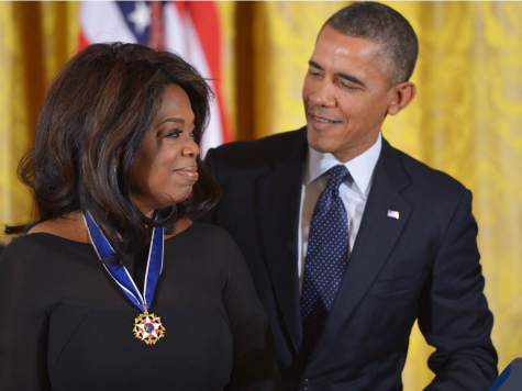 Obama Gives Oprah Winfrey Presidential Medal of Freedom After She Attacked U.S. as Racist