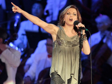 Trisha Yearwood, Martina McBride Cancel SeaWorld Concerts Over 'Blackfish' Claims