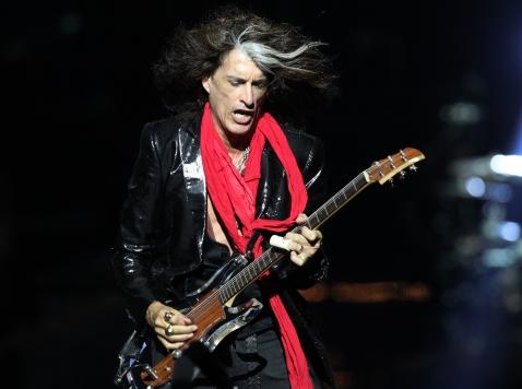 Aerosmith Guitarist Defends Phil Robertson, Freedom of Speech