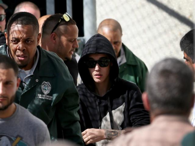 Sen. Mark Warner: Deport Justin Bieber