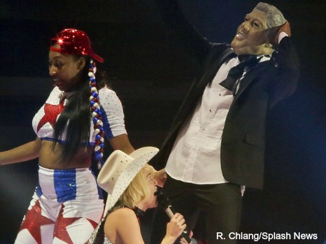 Miley Cyrus Simulates Oral Sex on Bill Clinton Impersonator to Start Tour