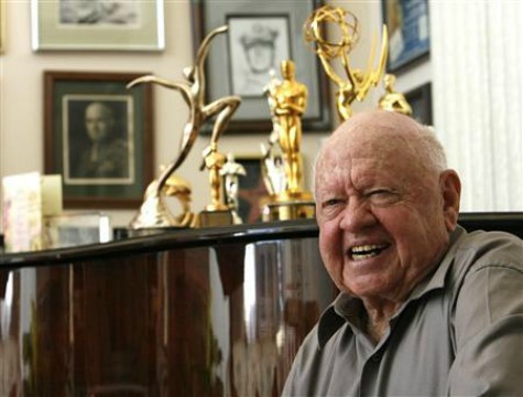 Hollywood Legend Mickey Rooney Dead at 93