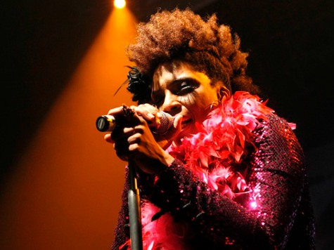 Macy Gray Joins HuffPo in Supporting Paid Menstrual Leave