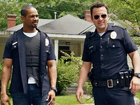 'Let's Be Cops' Review: Diverting Is Not Enough