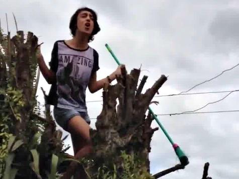 Watch: Singing Bruno Mars Fan Gets Electrocuted in a Tree