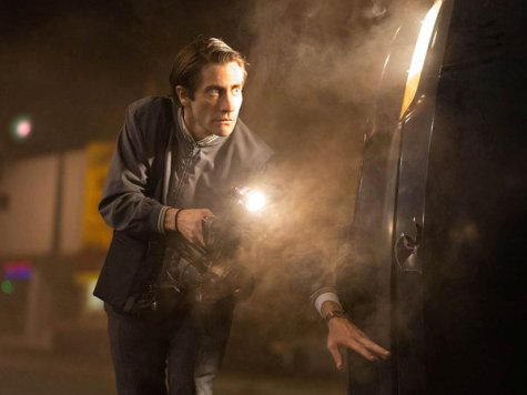 'Nightcrawler' Review: Jake Gyllenhaal Delivers In Fascinating L.A. Tale