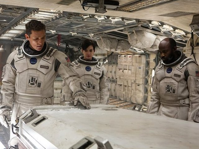 'Interstellar' Review: Epic Rumination on Faith, Science, Humanity