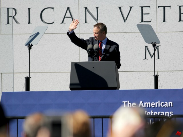 Gary Sinise Accepts Award for Veterans Advocacy