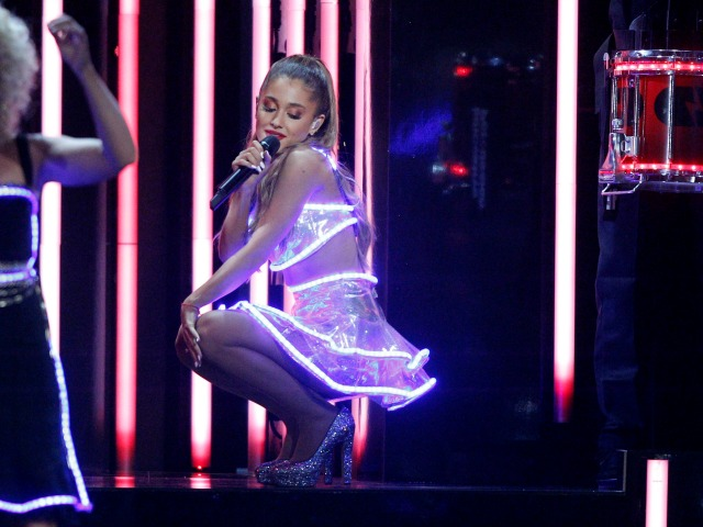 Taylor Swift, Ariana Grande to Perform at Victoria's Secret Fashion Show