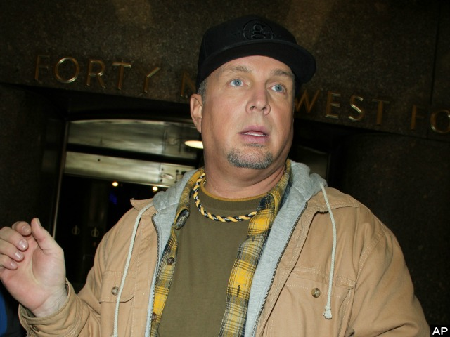 Garth Brooks Ditches 'Tonight Show' over Ferguson Unrest