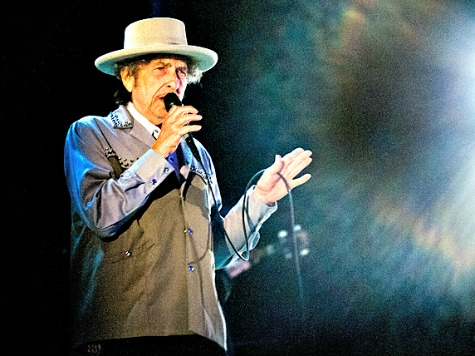 Bob Dylan Covers Frank Sinatra Classics for New Record