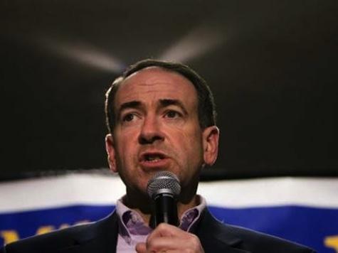 Huckabee Defends Boehner's Tea Party Attack: 'Politics Is Not Theology'