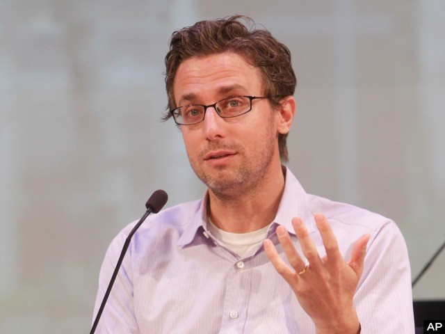 No Haters! BuzzFeed CEO Had to Apologize for Impersonating Conservative Activist