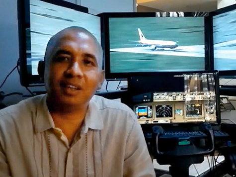 Malaysia Plane: Pilot's Daughter Denies Report Claiming She Saw Him as 'Disturbed'