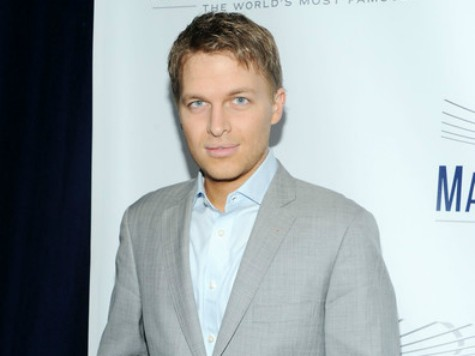 Ronan Farrow Receives Cronkite Award Two Days After MSNBC Premiere