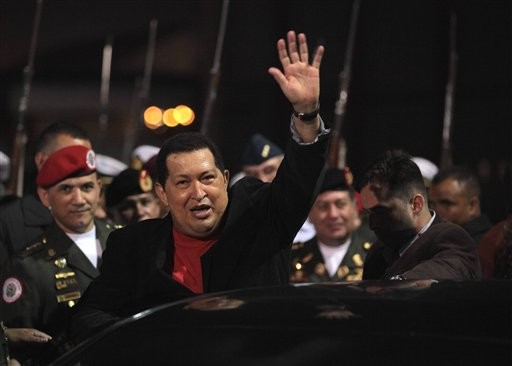 Hundreds rally to welcome Chavez home in Venezuela