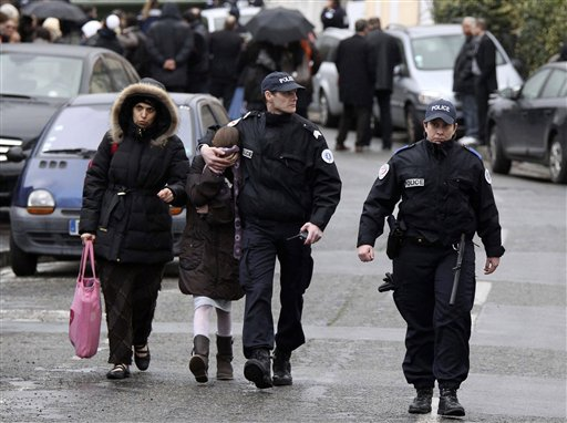 Gunman kills 4 outside Jewish school in France